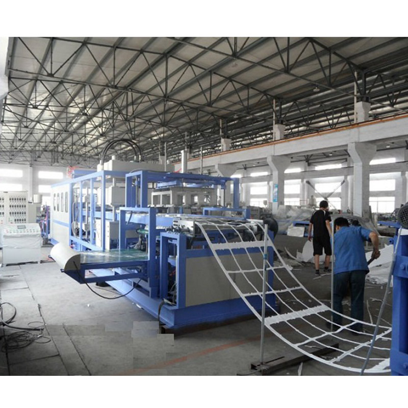 Automatic Vacuum Forming Machine & Cutting Machine